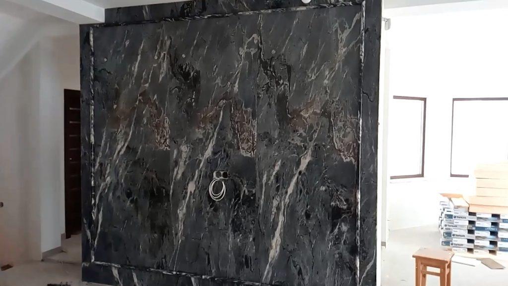Perete placat cu marmura Bardiglio Imperiale